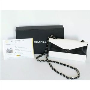 194f678de42c CHANEL BLACK & WHITE WOC - ENTRUPY AUTHENTICATED